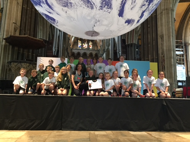 Children with Darcey Bussell having been awarded winning trophy